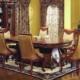 Антикварная мебель в гостиной