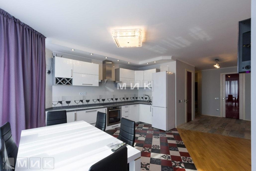 Кухня-студия-белая-4005