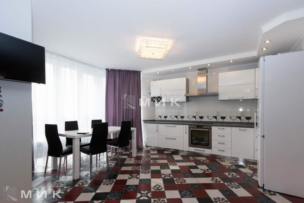 Кухня-студия-белая-4006
