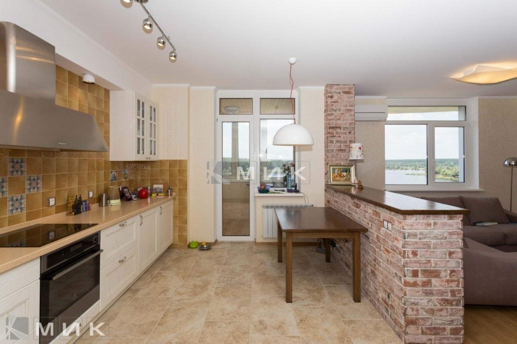 Кухня-студия-классическая-4011