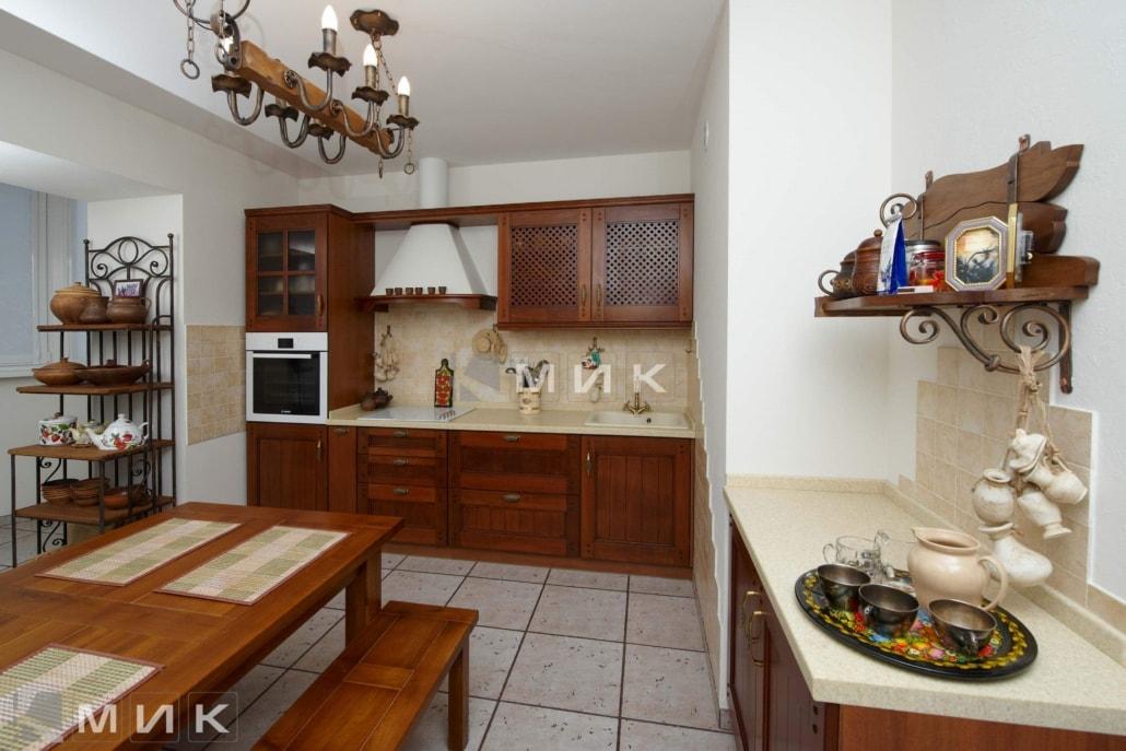 Кухня-студия-из-дерева-4052