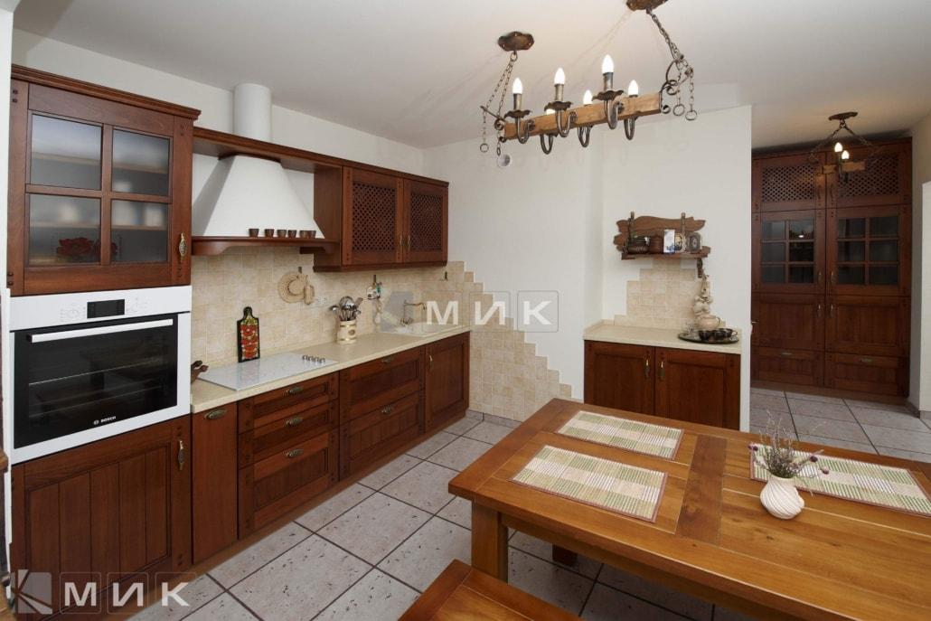 Кухня-студия-из-дерева-4053