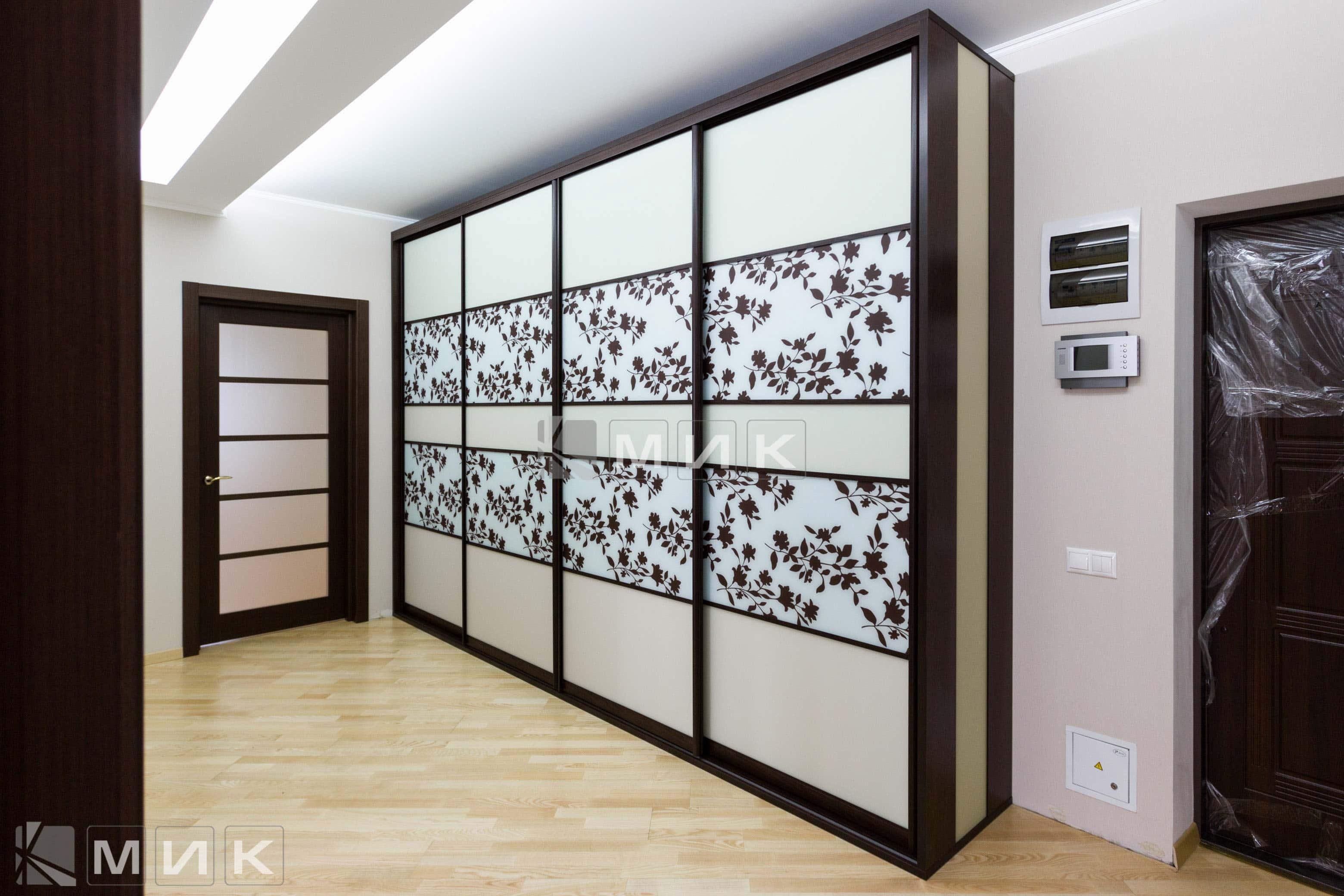 шкаф купе в прихожую коридор фасады пескоструй с рисунком