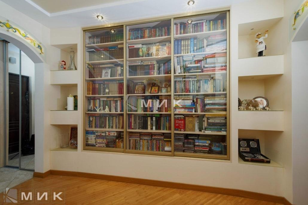 Встроенный-шкаф-купе-для-книг-130