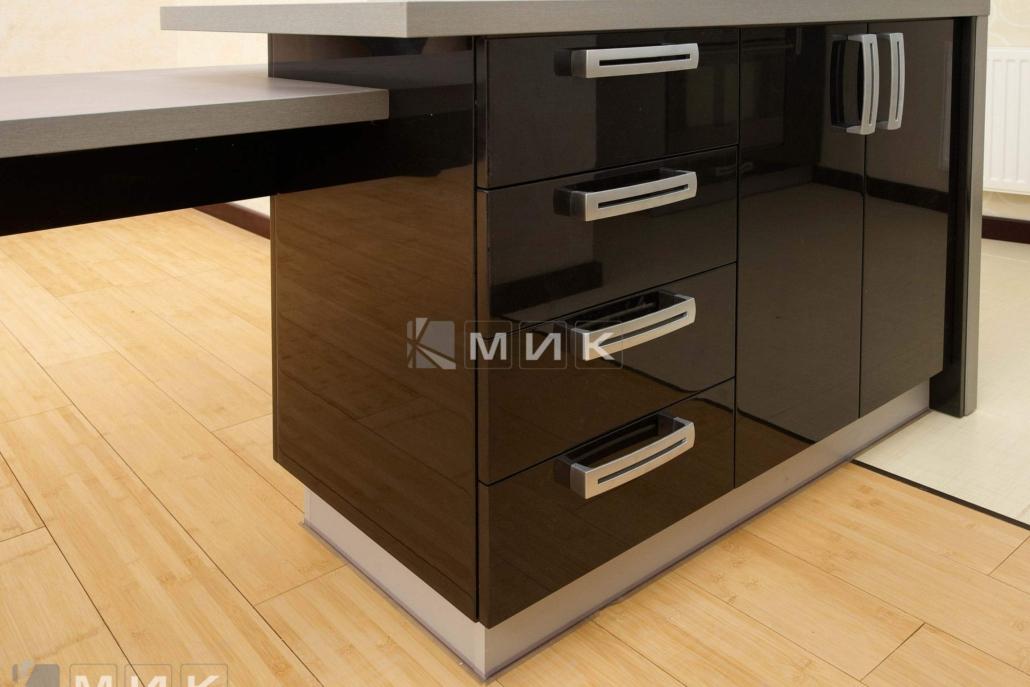 шкаф-в-кухню-коричневый-4072