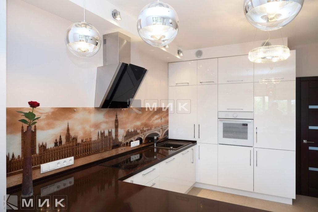 МДФ-кухня-белая-с-фотопечатью-6011
