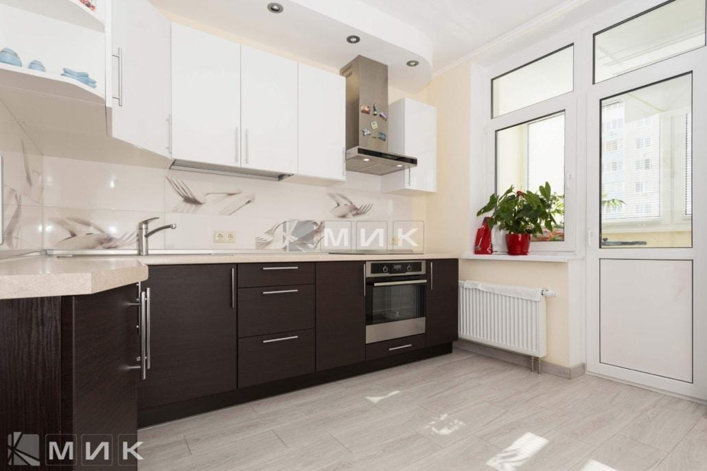 МДФ-кухня-двухцветная-6015