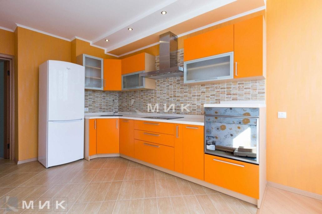 МДФ-кухня-в-оранжевом-цвете-6030