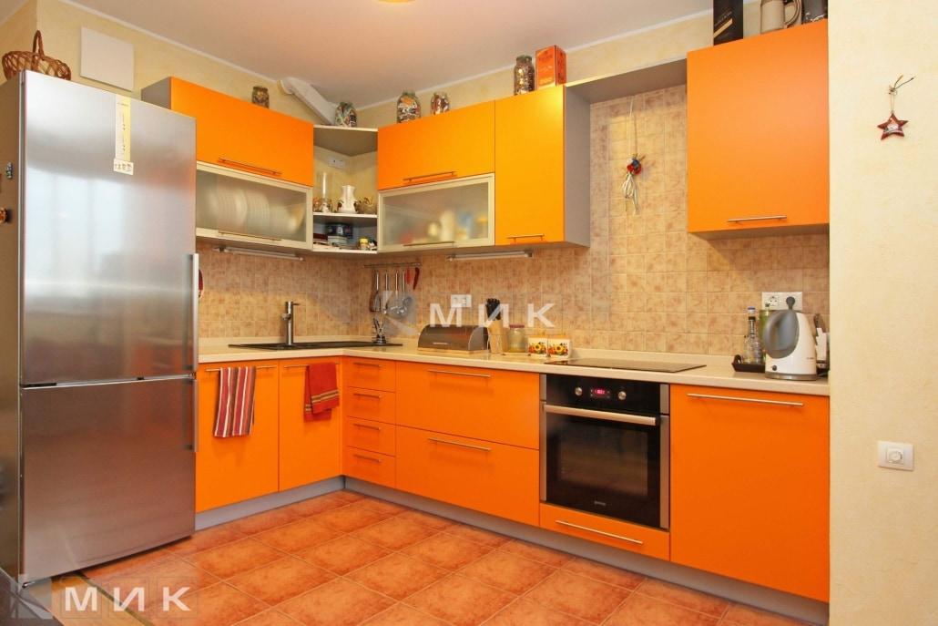 МДФ-кухня-угловая-в-оранжевом-цвете-6036