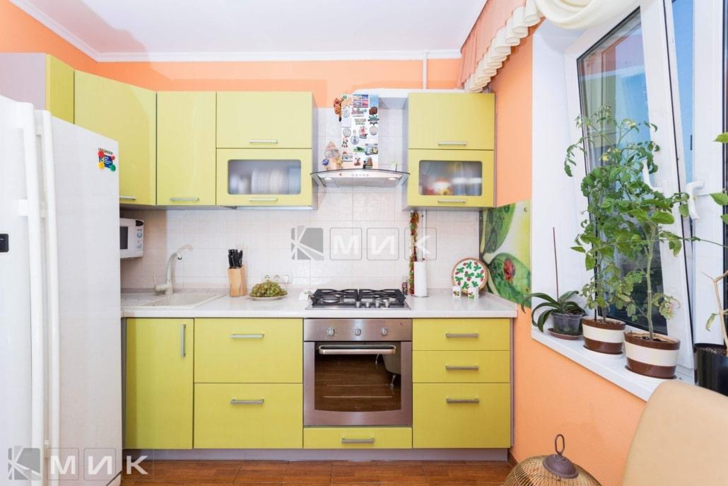 МДФ-кухня-в-желтом-цвете-6048