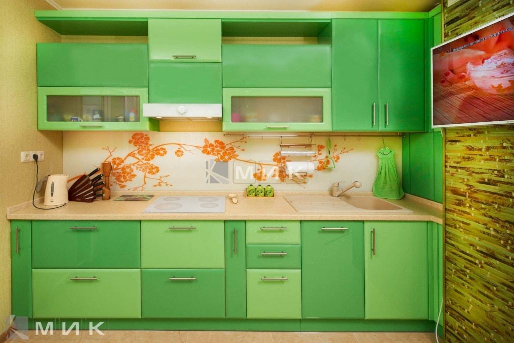 зеленая-кухня-на-фото-из-МДФ-6061