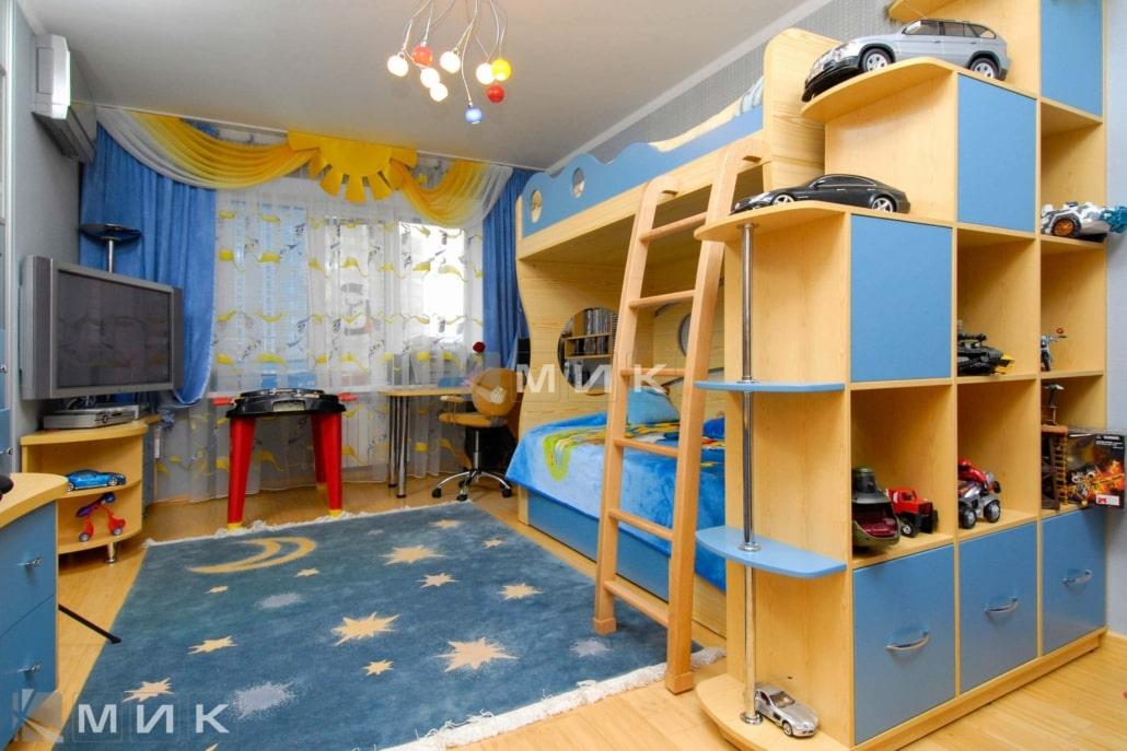 интерьер-детской-в-синем-цвете-112