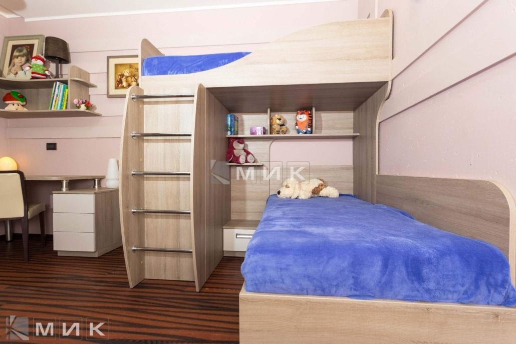 двухъярусная-кровать-с-металлической-лестницей-133
