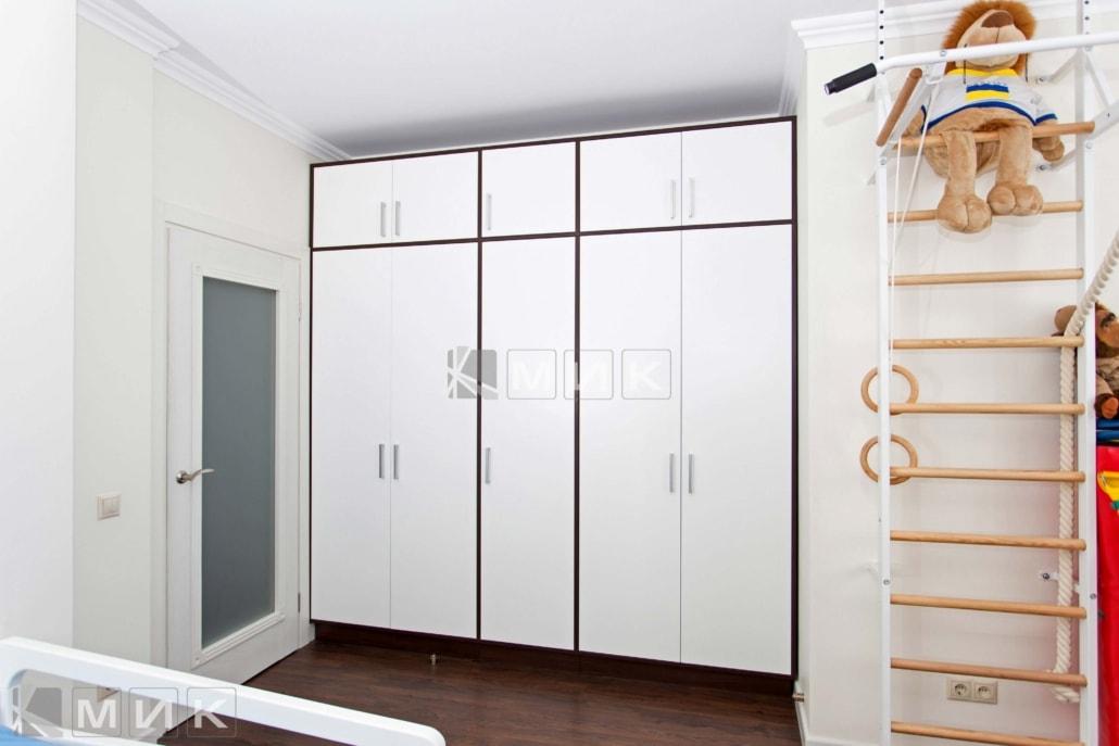 шкаф-для-детской-спальни-белый-135