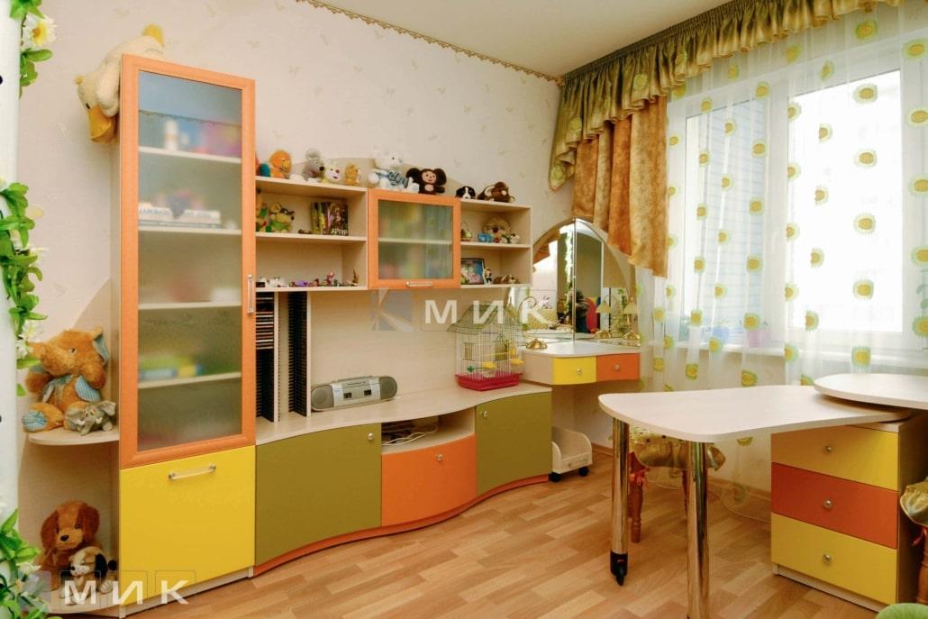 стенка-в-детскую-разноцветная-143