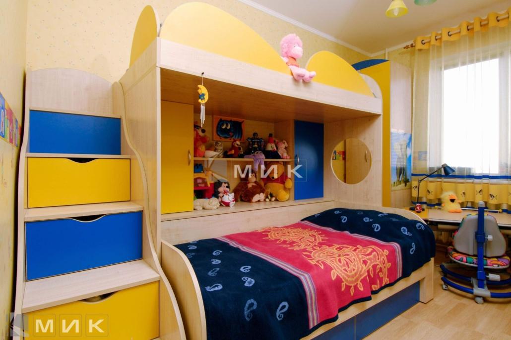 двухъярусная-кровать-сине-желтая-152