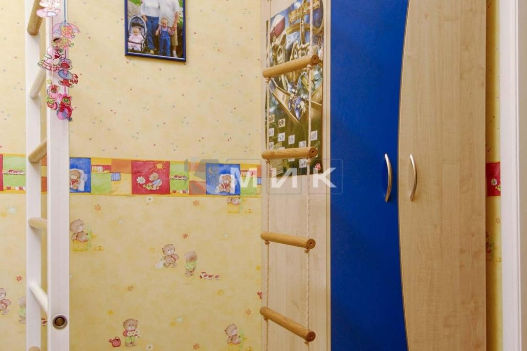 шкаф-в-детскую-спальню-156