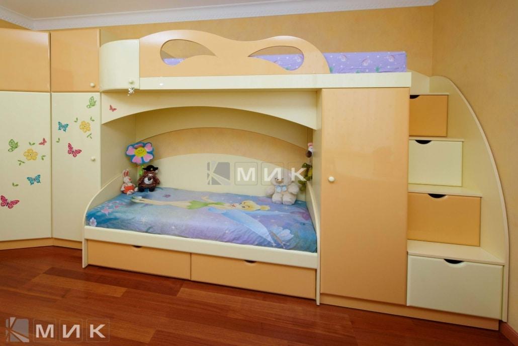 двухъярусная-кровать-в-пастельных-цветах-168