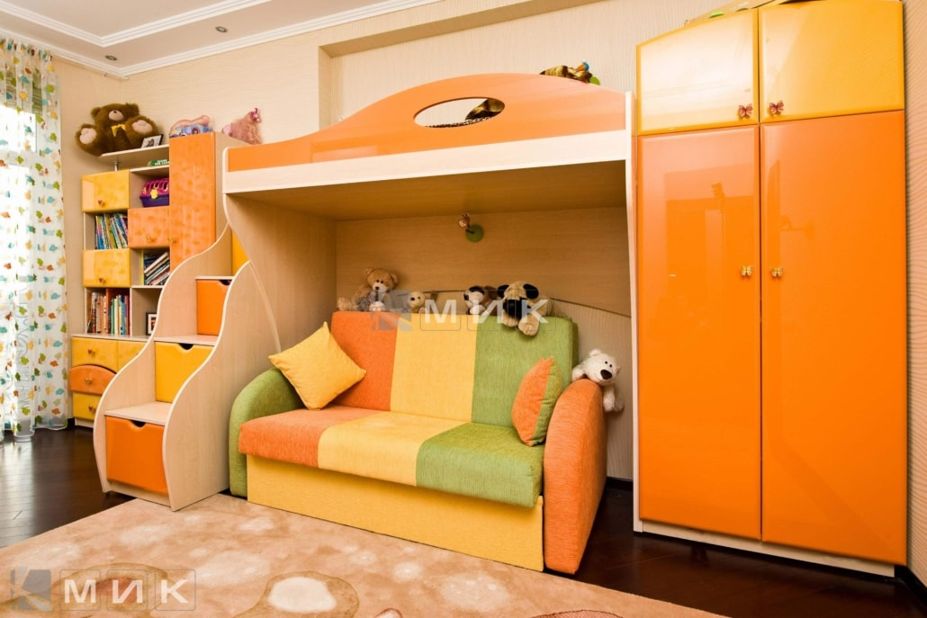 двухъярусная-кровать-оранжевых-тонах-175