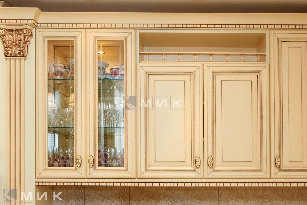 шкаф-в-классическую-кухню-цвета-слоновой-кости-3059