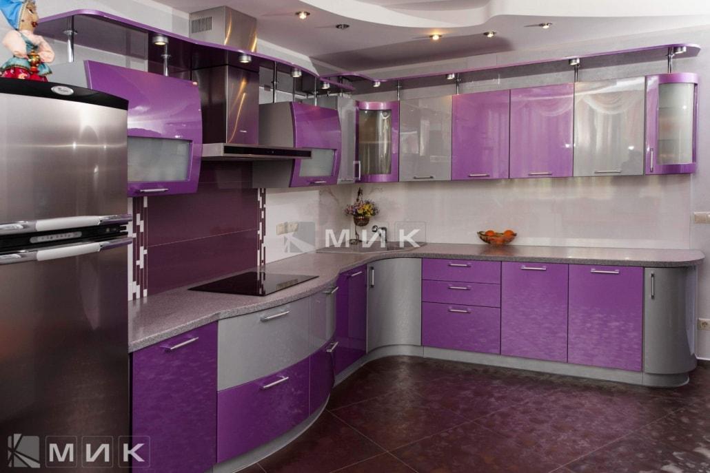 красивая-сиреневая-гнутая-кухня-7027