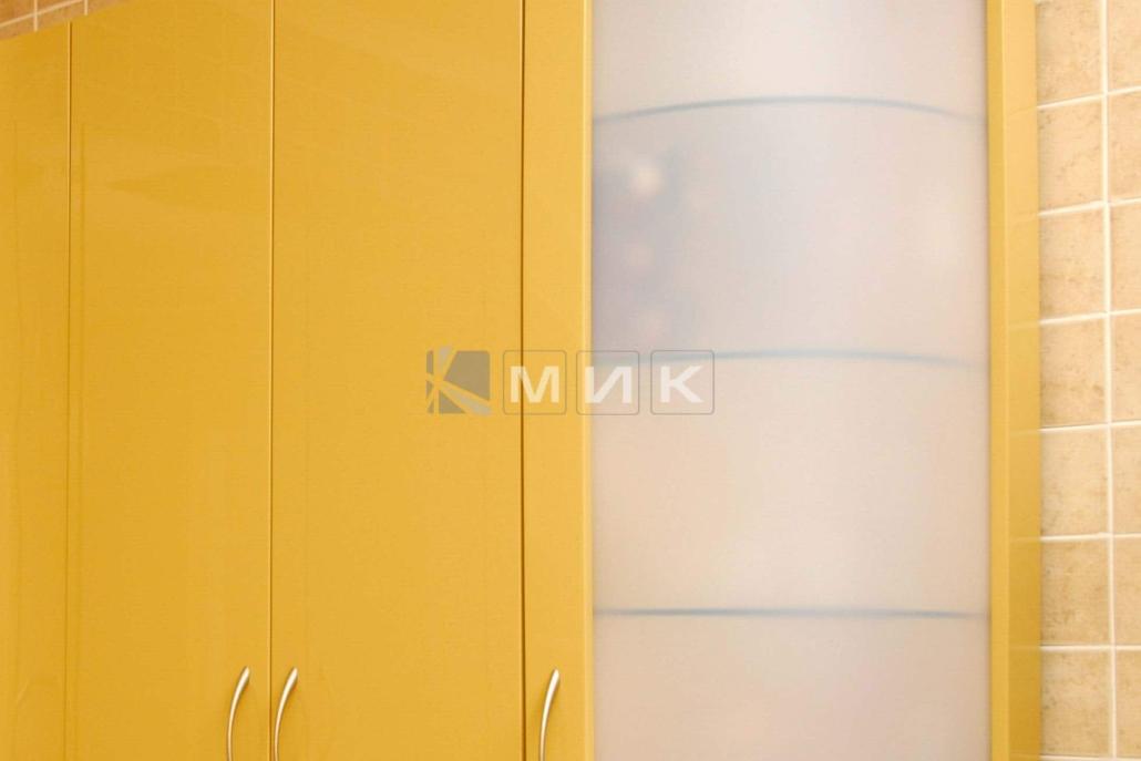 красивая-гнутая-кухня-в-желтом-цвете-7035