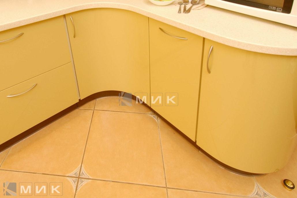 красивая-гнутая-кухня-в-желтом-цвете-7038