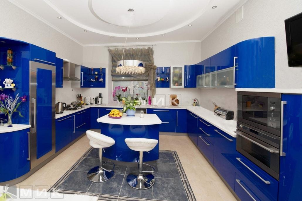синяя-красивая-кухня-гнутая-7039