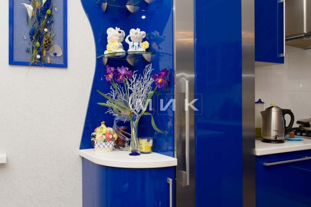 синяя-красивая-кухня-гнутая-7041