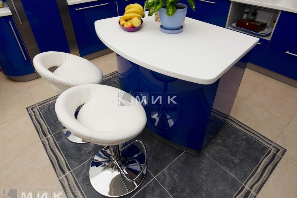 синяя-красивая-кухня-гнутая-7044