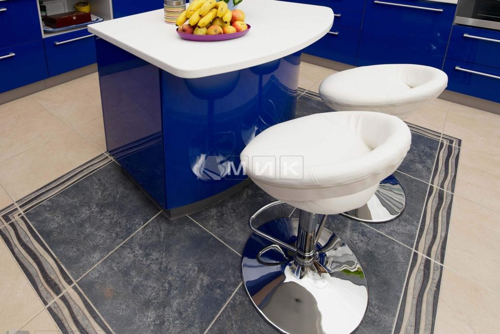 синяя-красивая-кухня-гнутая-7045
