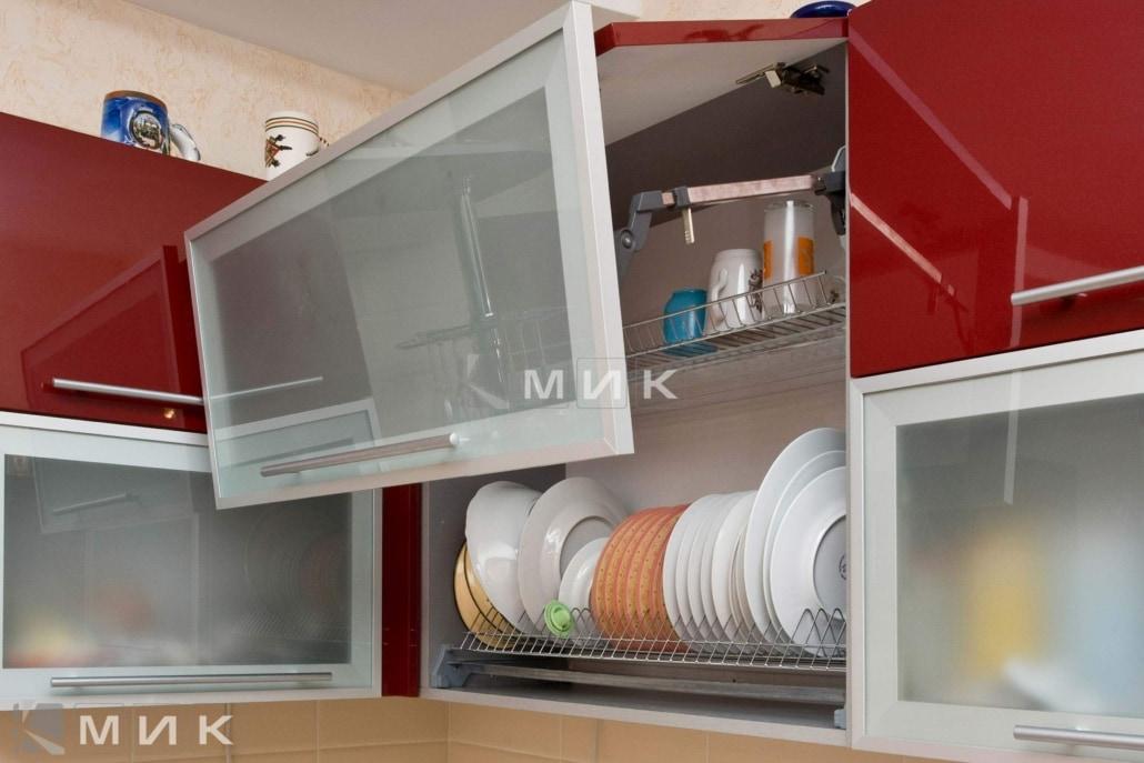 красивая-гнутая-кухня-цвет-красное-вино-7049