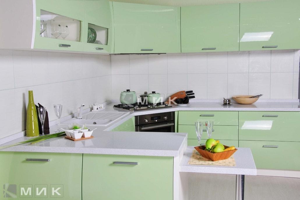 красивая-кухня-гнутая-в-зеленом-цвете-7057