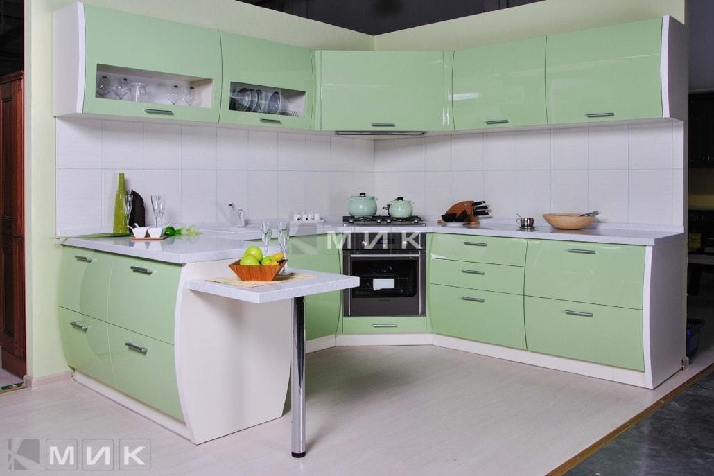 красивая-кухня-гнутая-в-зеленом-цвете-7059