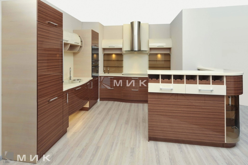 красивая-шпонированная-гнутая-кухня-от-MIK-7065