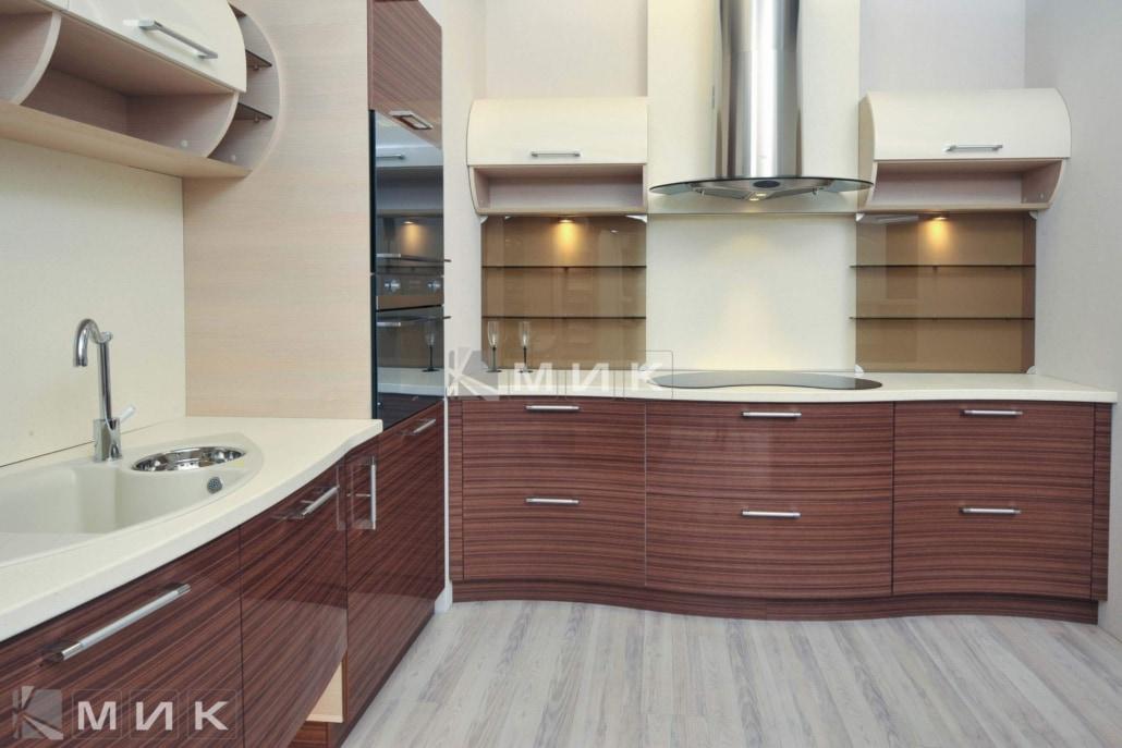 красивая-шпонированная-гнутая-кухня-от-MIK-7067