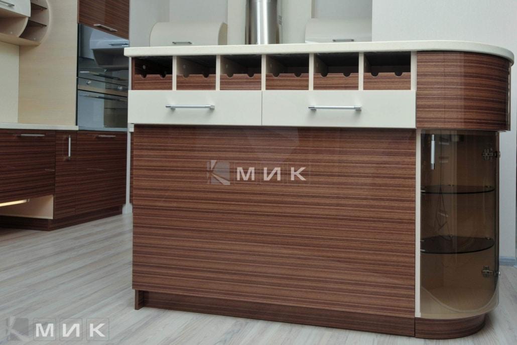 красивая-шпонированная-гнутая-кухня-от-MIK-7069