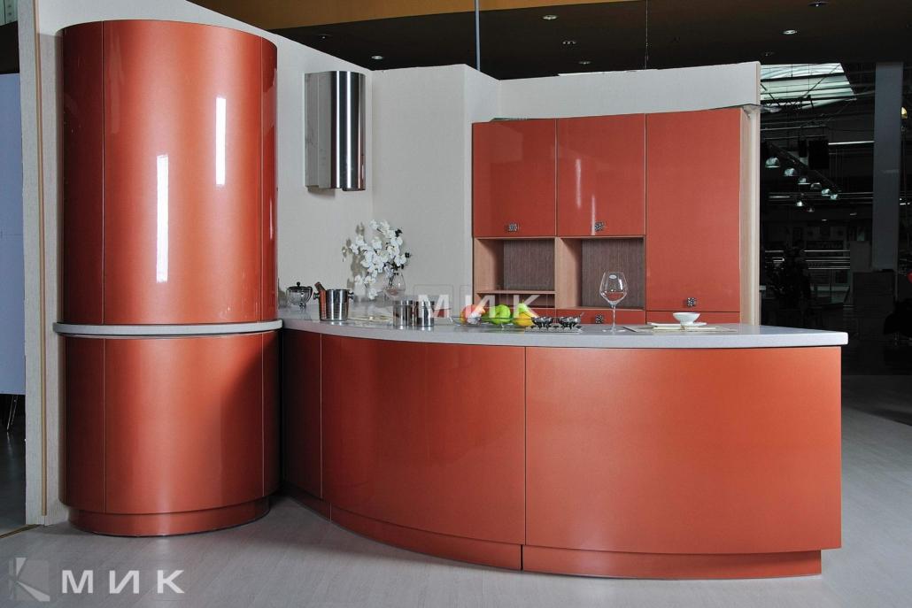 красивая-кухня-гнутая-терракотового-цвета-7073