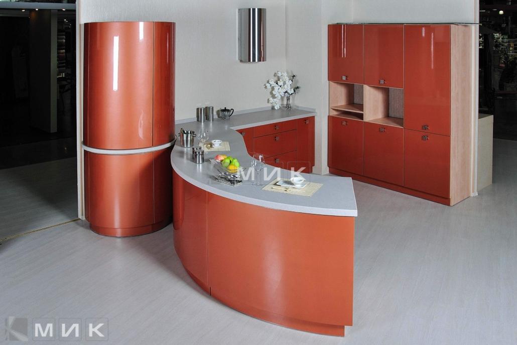 красивая-кухня-гнутая-терракотового-цвета-7074