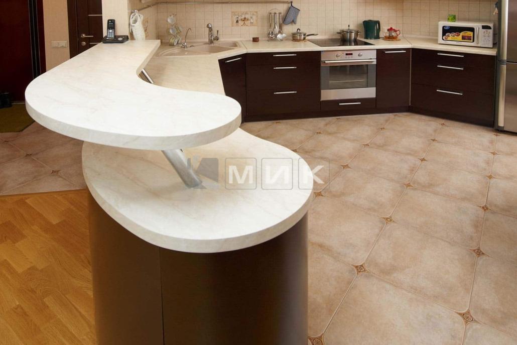 кухня-c-гнутой-столешницей-7083