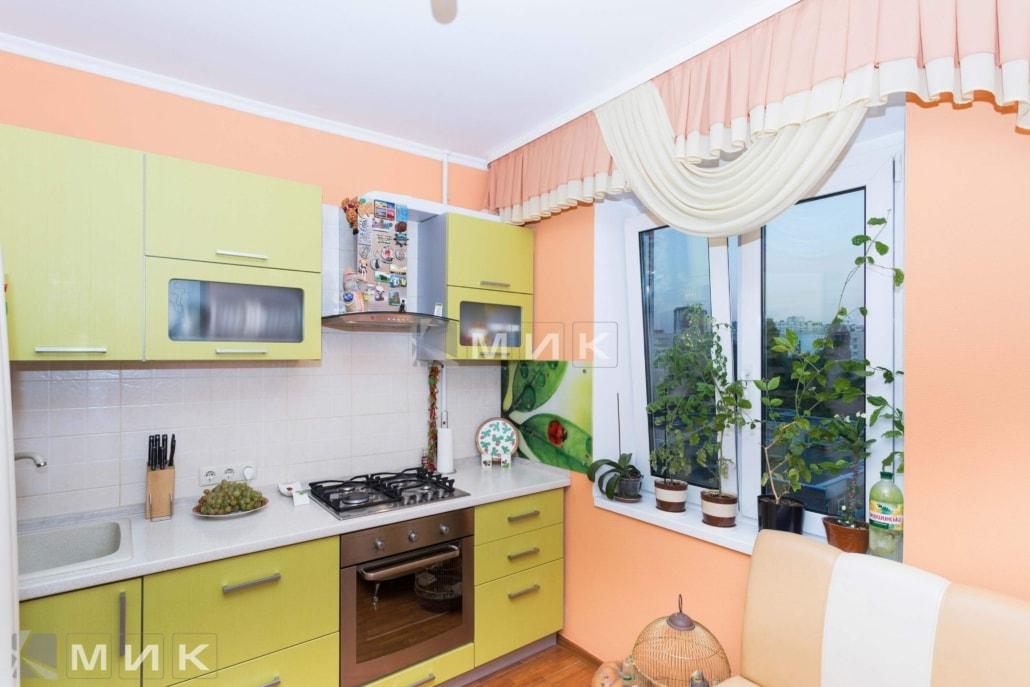 маленькая-кухня-желтом-цвете-5004