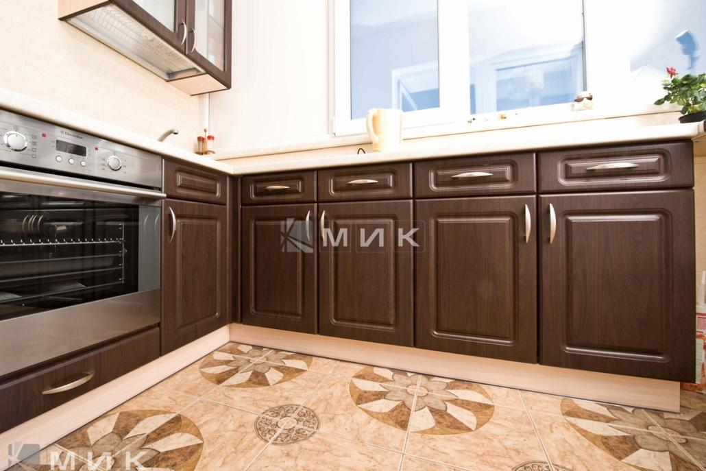 маленькая-кухня-цвет-темный-орех-5006