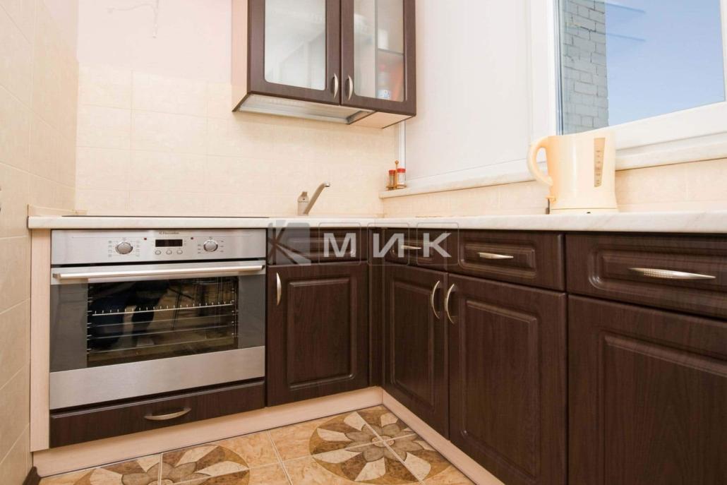 маленькая-кухня-цвет-темный-орех-5007