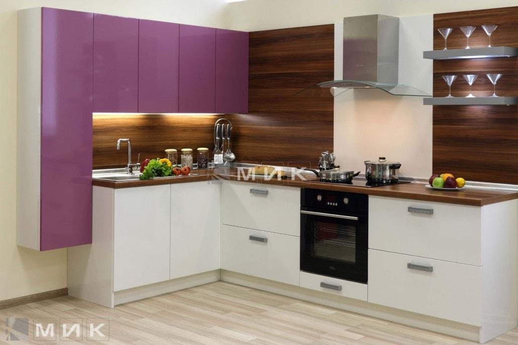 маленькая-кухня-в-белом-цвете-5023