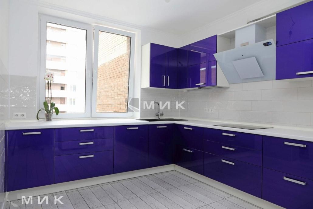 ярко-синяя-мебель-для-кухни-2068