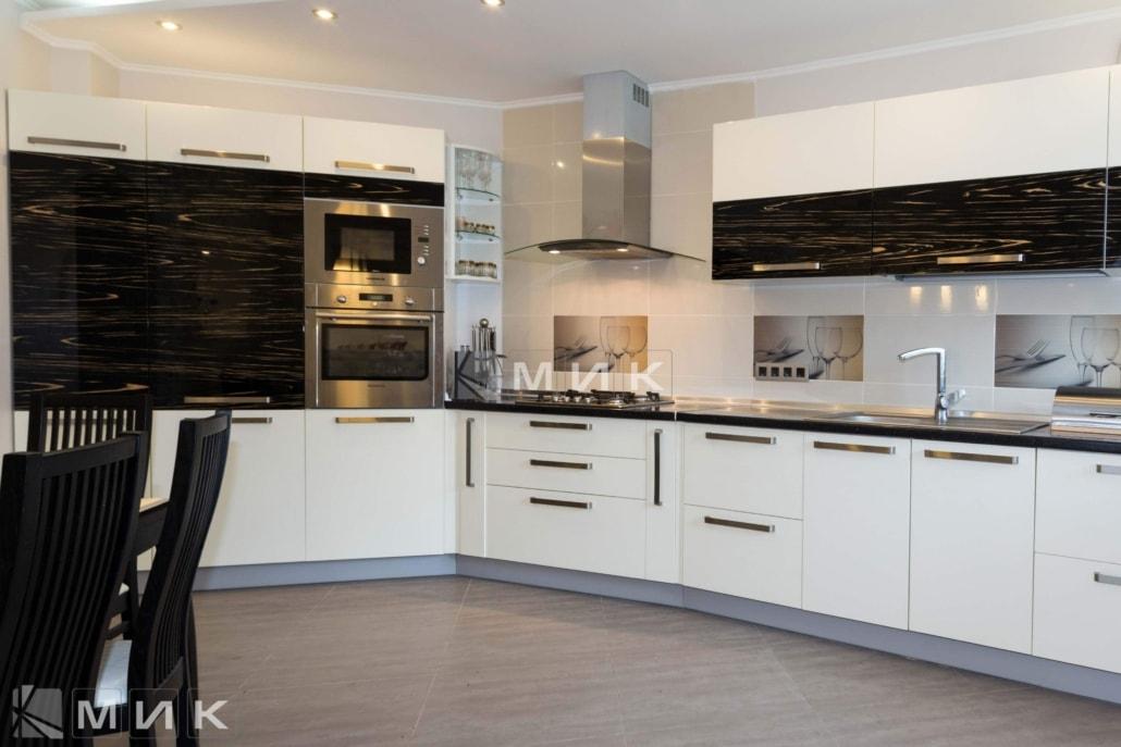 стильная-кухня-от-MIK-2071