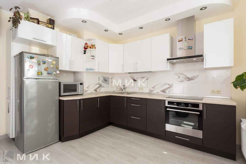кухня-в-стиле-модерн-для-квартиры-2082