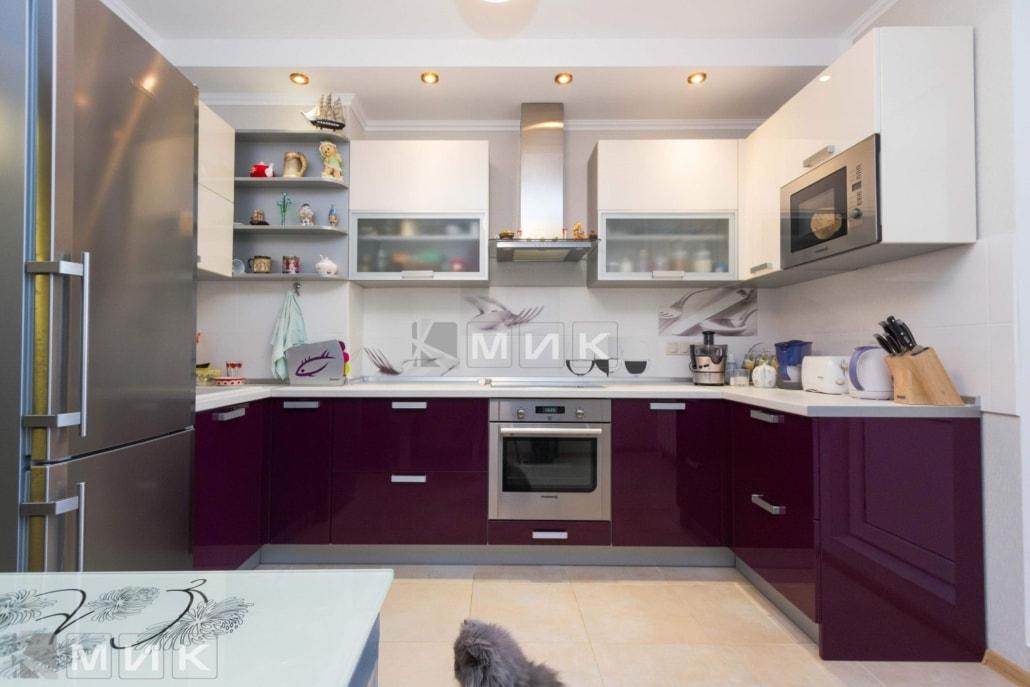 сливовая-кухня-в-стиле-модерн-2096