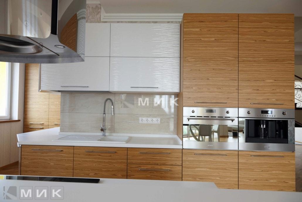 кухня-из-натурального-шпона-от-MIK-2100