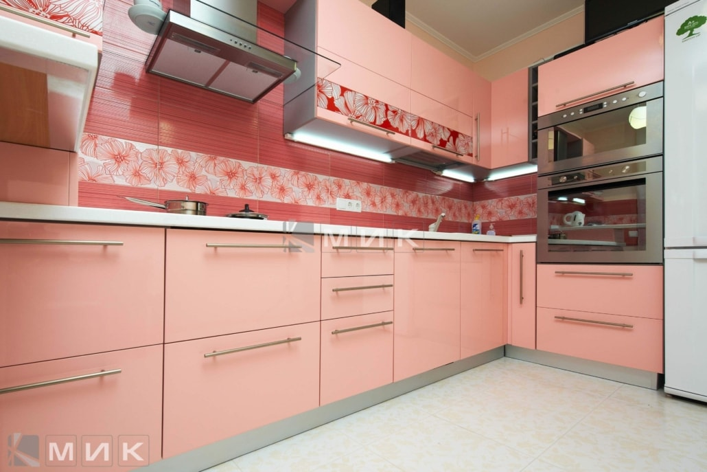 кухня-в-розовом-цвете-2109